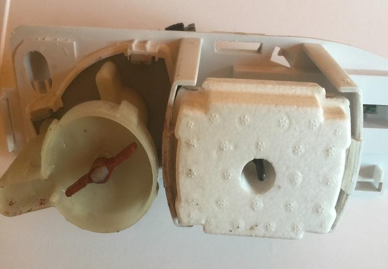 riparazione-assistenza-saronno-varese-como-milano-monza-brianza-asciugatrice-indesit-idpa745-pompa