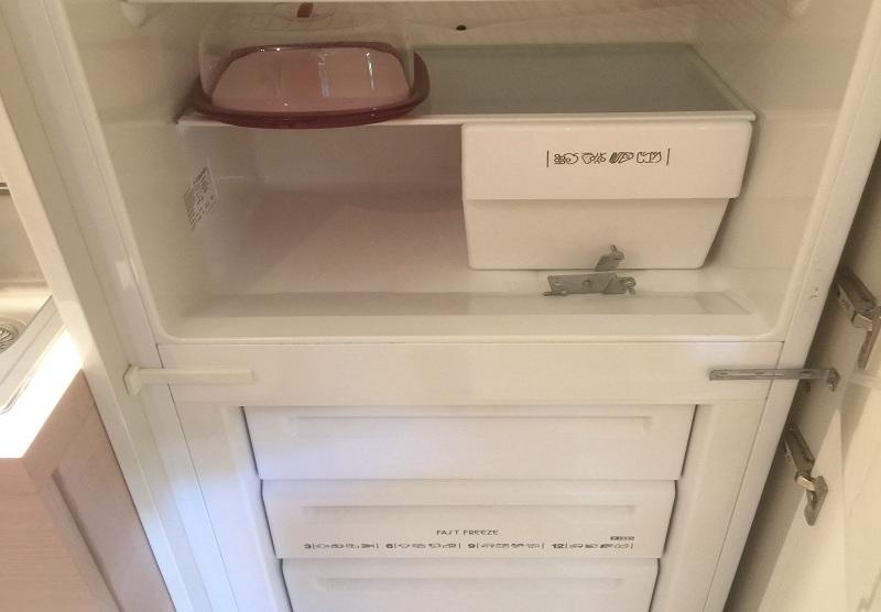 riparazione-assistenza-saronno-varese-como-milano-monza-brianza-frigorifero-electrolux-fi22