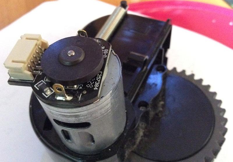 riparazione-assistenza-saronno-varese-como-milano-monza-brianza-robot-ilife-motore